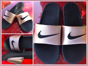 Nike Metallic Slides (Size 11) for Sale in Fort Worth, TX