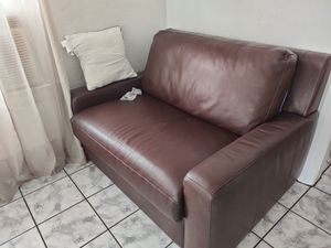 Couch/ futon for Sale in Lynwood, CA