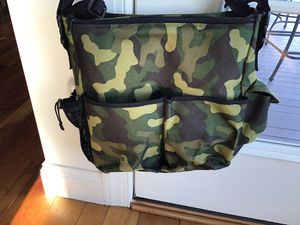 Super cute camouflage/camo messenger bag/gym bag in great condition for Sale in Dover, PA