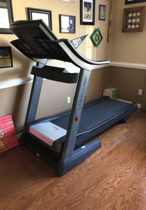 FreeMotion Treadmill for Sale in Palm Shores, FL