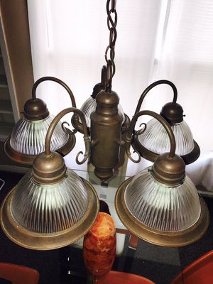 NICE CHANDELIER MINT CONDITION!!! for Sale in Houston, TX