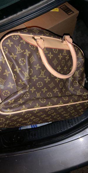 louis vuitton bag for Sale in Hyattsville, MD
