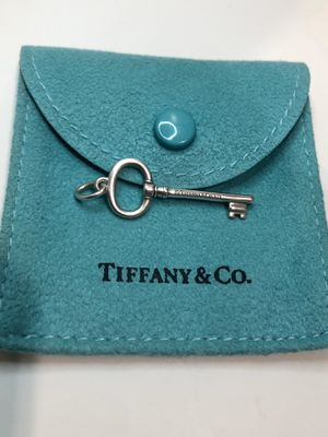 Tiffany & Co Oval Key Pendent for Sale in Los Angeles, CA