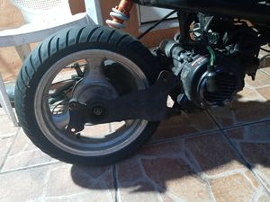 150CC SCOOTER ENGINE $$80 OR BEST OFFER for Sale in Miami, FL