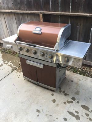 Brinkman 5 burner propane gas grill BBQ for Sale in Manteca, CA