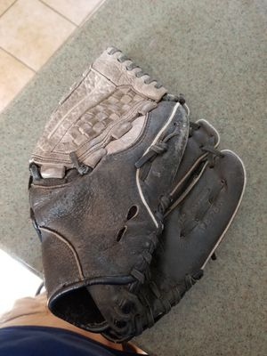 "12"" Easton baseball softball glove broken in for Sale in Norwalk, CA"