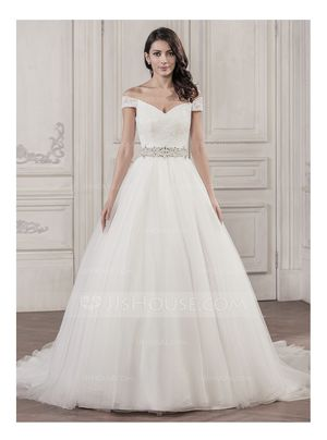 Off the shoulder wedding dress for Sale in Forest Park, IL