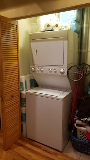 Frigidaire Stackable Washer and Dryer Commercial Grade for Sale in Chicago, IL