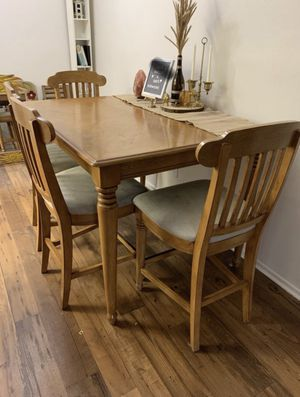 Solid wood dining table $85 obo for Sale in Corona, CA