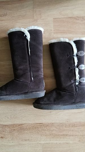 Girls boots size 5 for Sale in Lancaster, NY