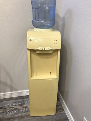 Water dispenser for Sale in Albuquerque, NM