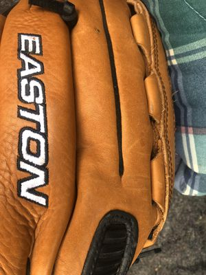 Easton softball glove for Sale in Spartanburg, SC