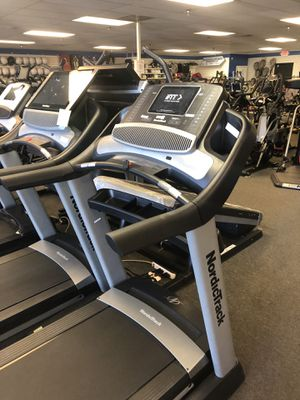 Nordictrack Commercial 1750 Treadmill- 15% Incline/3% Decline- Half price! for Sale in Glendale, AZ