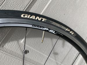 Light Aluminum Giant P-SL1 622x16 Bicycle Wheels for Sale in Vancouver, WA