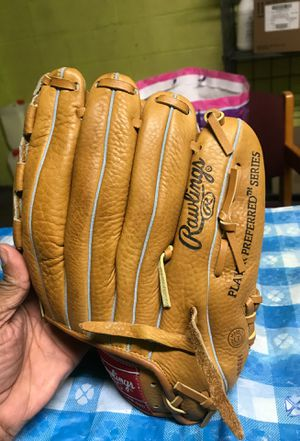 RAWLINGS LEFT HAND GLOVES for Sale in Medford, MA