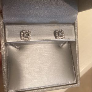 1/2cttw Diamond Earrings for Sale in Chino, CA
