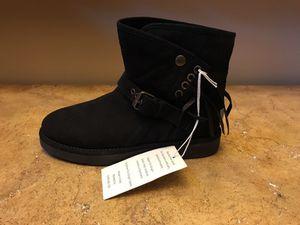 New UGG Fringe Boots - Retail $250 for Sale in Cary, NC