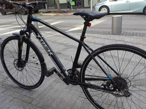 Trek 8.3 dual sport/ high end bike for Sale in Portland, OR