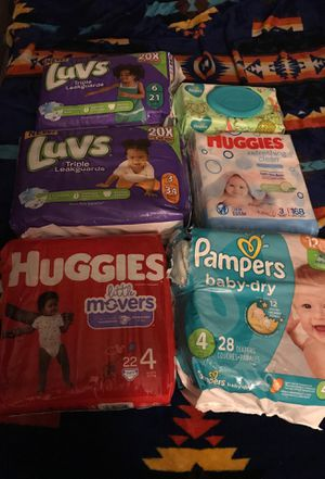 Diapers 1 pack of size 3 2 size 4 1 size 6 and wipes for Sale in Phoenix, AZ
