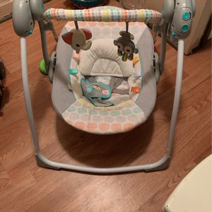 Bright Starts Baby Swing for Sale in Lorain, OH