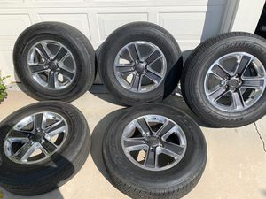 2019 Jeep Wrangler Sahara wheels and tires set of 5 for Sale in Chatsworth, CA