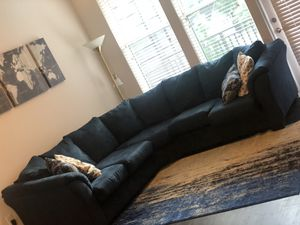 Sectional royal blue couch for Sale in Atlanta, GA