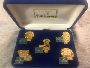 Disney anniv pin set for Sale in undefined