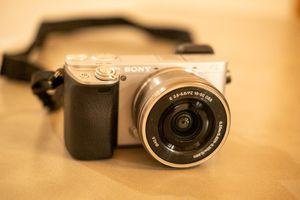 Sony Alpha a6300 Mirror less Digital Camera for Sale in Long Beach, CA