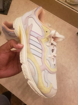 Adidas runner size 11 for Sale in Gulfport, FL