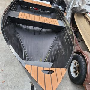 12 FT ALUMINUM BOAT NEW PAINT for Sale in Ontario, CA