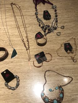 Paparazzi Jewelry (11 Piece Lot) for Sale in Austin,  TX
