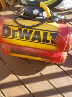 Dwalt Air Compresor for Sale in Vancouver,  WA