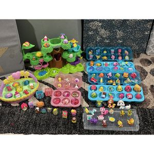 Little toys- shopkins and mini hatchimals for Sale in Willow Springs, IL