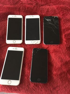 iPhone LOT of 5 - mainly for parts for Sale in Mundelein, IL