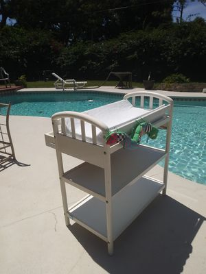 PALI MADE IN ITALY BABY CHANGING STATION 3 TIER TABLE WITH DRAWER & PAD PD $345.00 for Sale in Pine Hills, FL