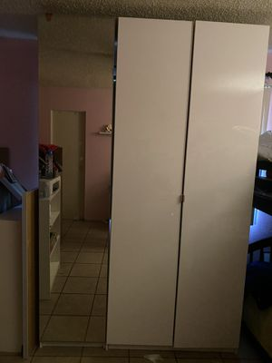 2 piece closet for Sale in Long Beach, CA