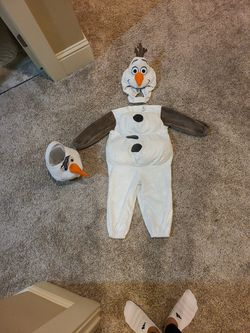 2T Olaf Costume for Sale in Milwaukie,  OR