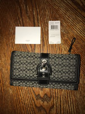 Coach wallet for Sale in Brookfield, IL