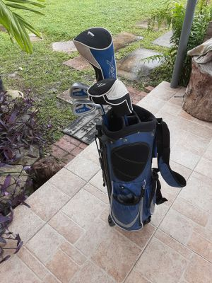 Golf clubs and bag for Sale in North Miami Beach, FL