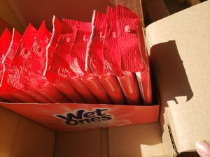 10 packs wet one togo for Sale in Hacienda Heights, CA