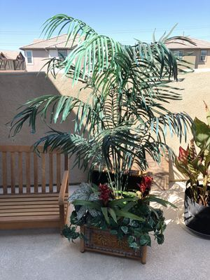 Faux plant for Sale in Rancho Cucamonga, CA