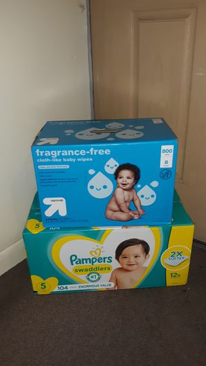 Diapers Pampers Swaddlers size 5 (104 count) and baby Wipes (800 count) other sizes available PAÑALES otros tamaños disponible for Sale in Phoenix, AZ