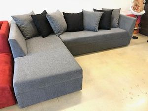 Grey modern Sectional Sofa couch for Sale in HALNDLE BCH, FL