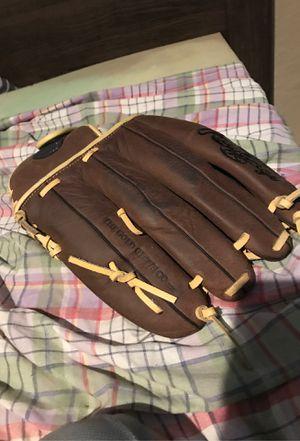 Baseball glove for Sale in Phoenix, AZ