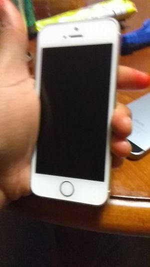 iPhone 5 both need new screens for Sale in Detroit, MI