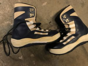 Snowboard boots woman's size 8 for Sale in Long Beach, CA