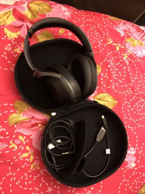 Sony noise cancelling headphones WH-1000XM2 for Sale in Washington, DC