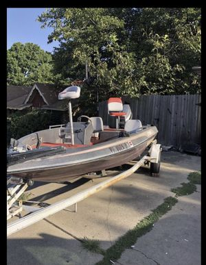 Bass boat / fishing boat for Sale in Grand Prairie, TX
