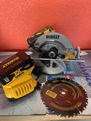 DeWalt XR Power Detect Saw Battery Charger for Sale in Fresno, CA
