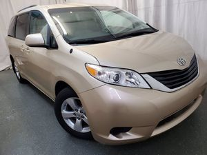 2012 Toyota Sienna for Sale in Cleveland, OH